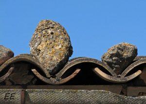 Piedras tu tejado